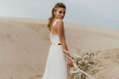 Louise_Valentine_wedding_dress_new_collection_unrendez_vous2