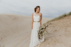 Louise_Valentine_wedding_dress_new_collection_unrendez_vous3